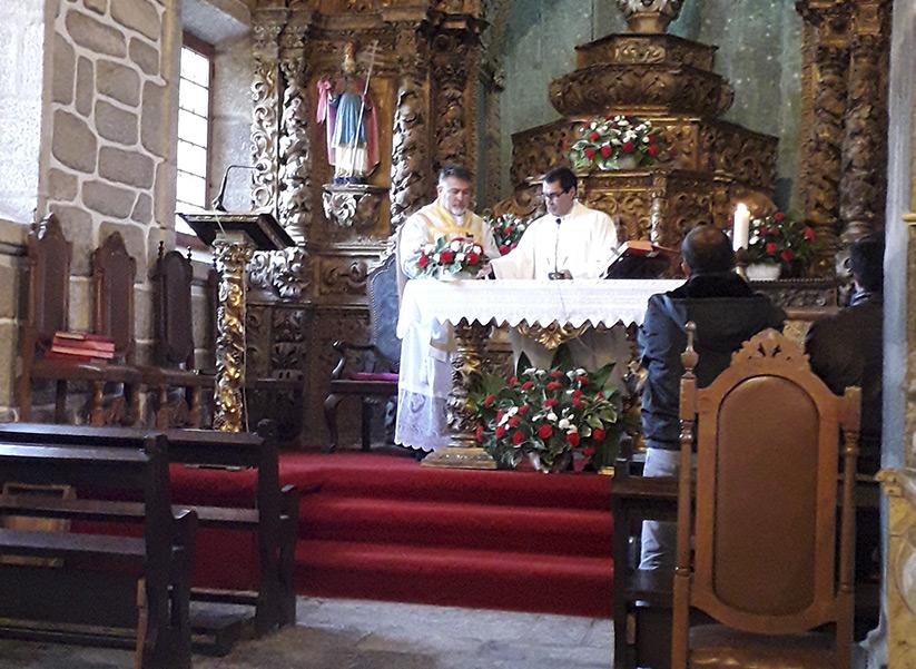 Paróquia de S. Pedro de Paus-Resende com novo Pároco: Pe. Vanderlei Bueno Silva